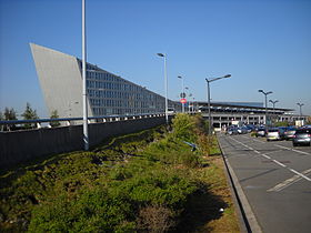 Lille-Lesquin International Airport - Terminal - Outside - 4.jpg