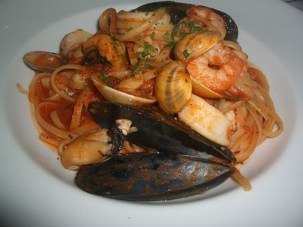 http://upload.wikimedia.org/wikipedia/commons/thumb/2/26/Linguine_seafood.JPG/440px-Linguine_seafood.JPG