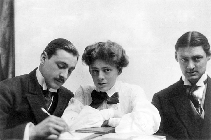 Lionel, Ethel, and John Barrymore cph.3b04450.jpg