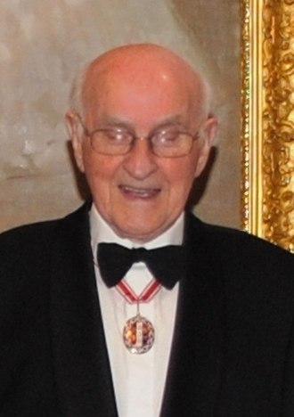 Special Honours 2009 - Image: Lloyd Geering (cropped)