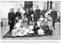 Los Condes de Caserta y su familia, en Cannes.png