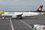 Lufthansa, D-AIUP, Airbus A320-214 (26194044294).jpg