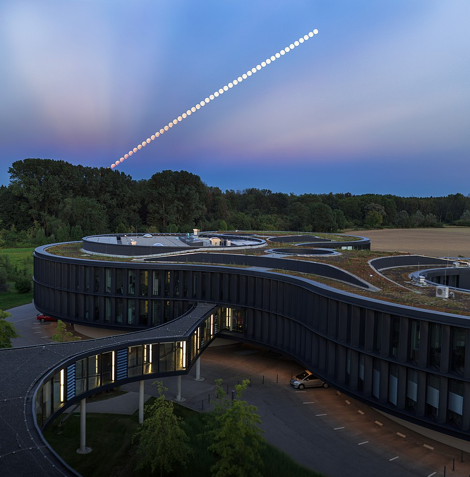 Lunar Eclipse at ESO 2017
