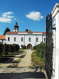 Mănăstire Sf. Gheorghe - ortodoxă sârbă - jud. Timiş, Romania.jpg