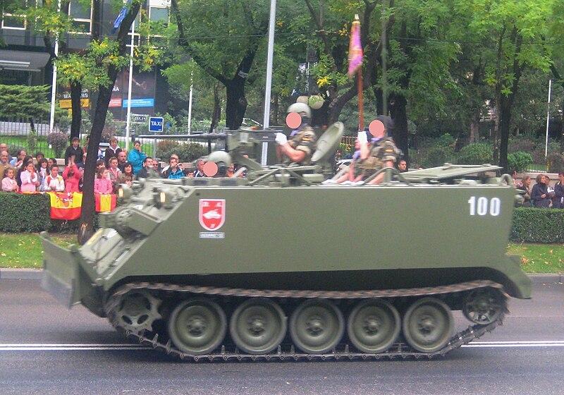 El M113 APC 800px-M-113_VCZ_E.T.