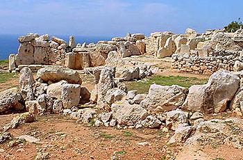 Malta 24 Mnajdra.jpg