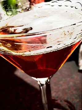 Manhattan (Orange peel Manhattan).jpg
