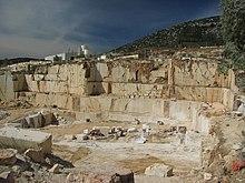 Estrazione del marmo a Orosei.
