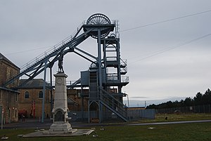 Woodhorn (Museum) - Memorial and pit head at Woodhorn