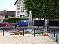 Mery-sur-Oise - Monument aux morts.jpg