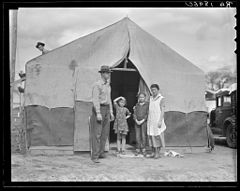 Migrant Family in Kern County.jpg