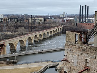 Stone Arch Bridge (Minneapolis) - Image: Mill City Museum 20 view of Stone Arch bridge