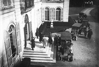 Grand Quartier Général (1914–1919) - Image: Millerand gqg feb 1915
