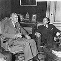 Minister Luns , Averill Hariman (Links) op zijn departement ontvangen, Hariman (, Bestanddeelnr 918-1380.jpg