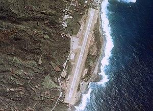 Miyakejima Airport - Image: Miyakejima Airport Aerial photograph
