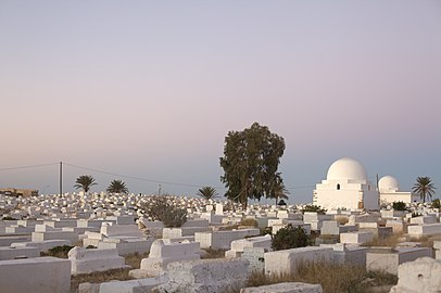 Monastir cemetery during moon rise.jpg