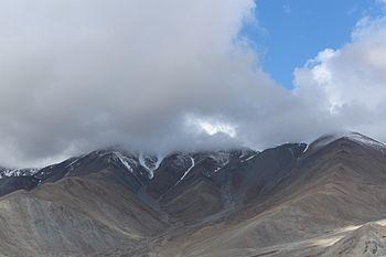 Mountains Ladakh 02.jpg