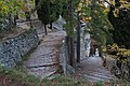 Moustier, montée vers la chapelle Notre Dame 1.jpg