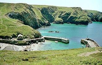 Mullion Cove - Image: Mullion Cove, Cornwall geograph.org.uk 729968