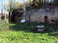 Mur d'enceinte du palais despapes de Sorgues.JPG