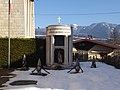 Nanno - Monumento ai caduti.jpg