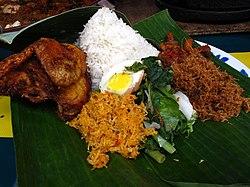 Nasi ambeng di Malaysia