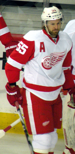 Description de l'image Niklas Kronwall 2012.png.
