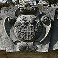 Oesterreich-Wienerwald-Neuhaus-Burg-Wappen-vonWolzogen.jpg