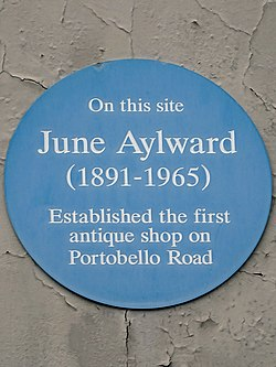 Photo of June Aylward blue plaque