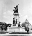 Original Monument to I. C. Brătianu, sculptor E. H Dubois.png