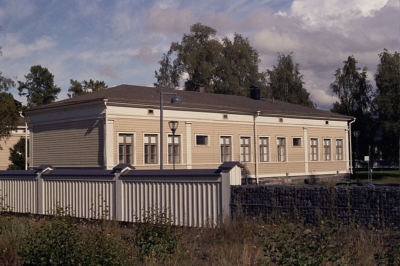 File:Oulu barracks Jul-Aug2008 001.jpg