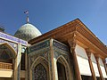Outside the Shah Cheragh mosque (49687169916).jpg