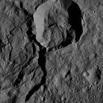PIA20866-Ceres-DwarfPlanet-Dawn-4thMapOrbit-LAMO-image145-20160530.jpg