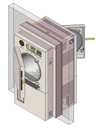 Autoclave - A cylindrical-chamber pass-through autoclave