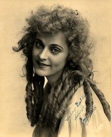 Viola Barry Net Worth