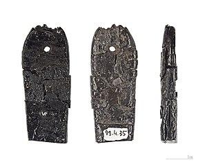 Jet (lignite) - Pendant in Jet, Magdalenian, Marsoulas MHNT