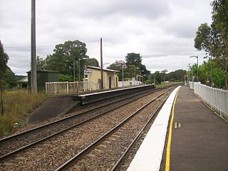 Penrose railway station, New South Wales