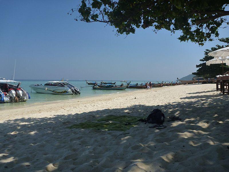 File:Phi Phi Island Tour (4297156282).jpg