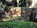 Piazza fanti, resti dell'agger delle mura serviane 01.JPG