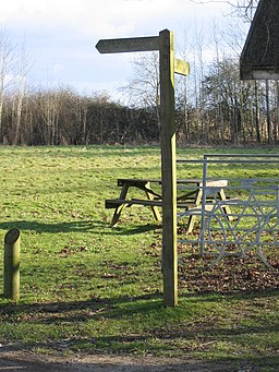 Picnic site in the Cotswold Water Park near Ashton Keynes - geograph.org.uk - 128734