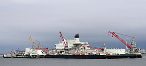 Pioneering Spirit (ship, 2014) 005.jpg