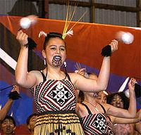 Tatuerad maorikvinna