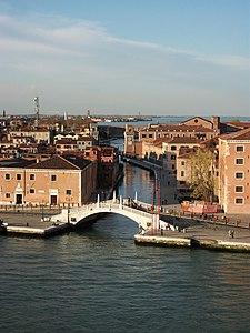 Ponte San Biasio delle Catene i Rio dell'Arsenale, Venècia.JPG