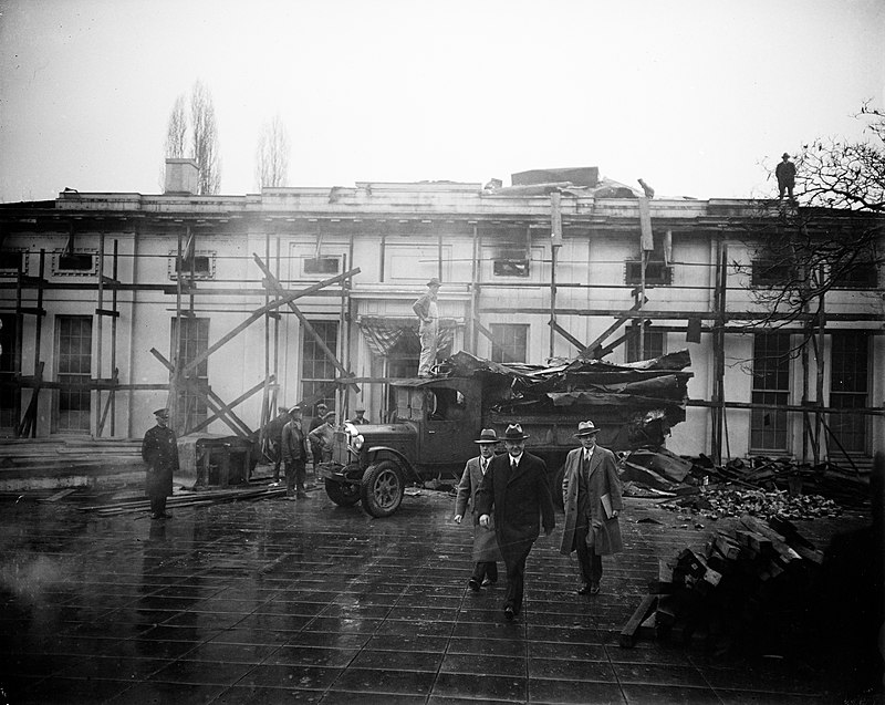 President Hoover views West Wing fire ruins 15 January 1930 cropped.jpg
