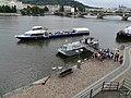 Rašínovo nábřeží, loď Grand Bohemia přistává (01).jpg