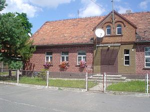 Radzowice - Image: Radzowice szkoła
