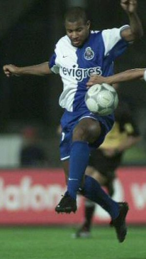 Pena (footballer) - Pena in action for Porto