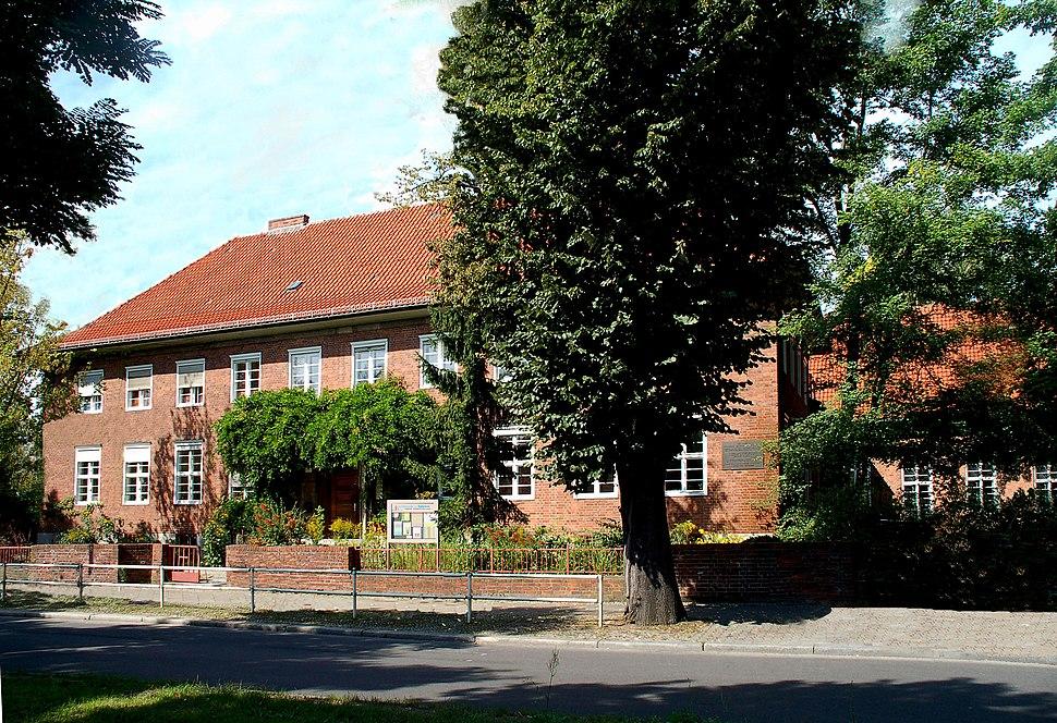 Remembrance Bekennde Kirche.Parish Hall.Ev.Kirchengemeinde Dahlem.BerlinGermany2007.jpg