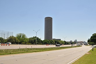 Interstate 35E (Texas) - I-35E with Renaissance Dallas Hotel at 2222 Stemmons Freeway in the background