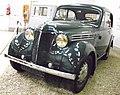 Renault Juvaquatre (Type AEB 2) Limousine 1939 dunkel.JPG